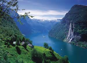 """Vi feirer nasjonalstaten, fedrelandet, selvstendigheten, vikingtiden og den historiske norske kulturen og """"Gud signe vårt dyre fedreland"""" – 17.mai, 2017"""