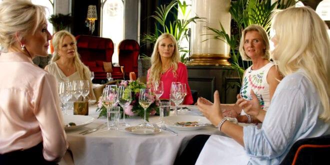 Line Ekelund, Anne Kristin Hognestad, Beate Alstad, Mona Hartmann, Gro Elisabet Sille og Hanne Nabintu Herland i TV serien Søstre