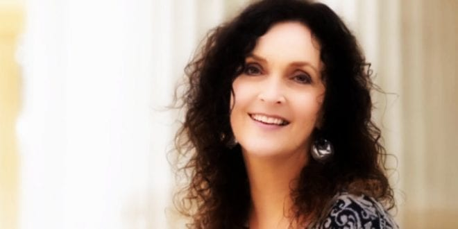 Intervju med den populære forfatteren, Kristin Flood om meditasjon, mindfulness og verdien av stillhet – Herland Report
