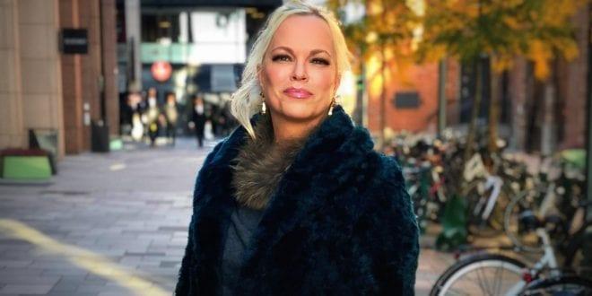 """Har feminisme blitt kampen mot mannen? Og kvinnens påkjørsrett? Hanne Nabintu Herland hos TV2 """"Snakk med Unni Wiik"""""""