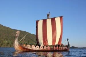 TV intervju om vikingenes verdier med Anders Kvåle Rue og Øystein Rivrud, Olavs Menn, Hanne Nabintu Herland Report