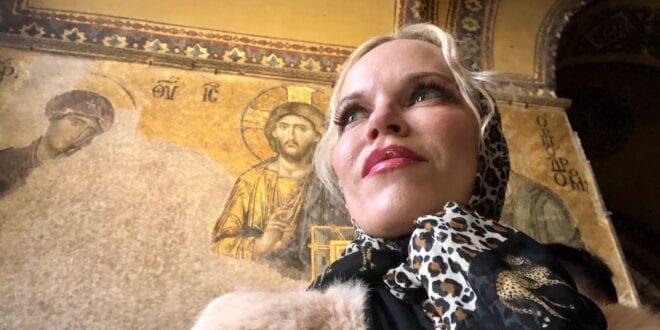 Hagia Sophia, Istanbul Jesus Christ golden mosaic, Herland Report