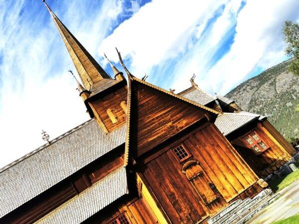 Lom Dahle Kirke, kirken som kulturbygger, Hanne Nabintu Herland Report