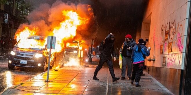 Cancel Culture: Almost 100 % of riots destroying property is done by Black Lives Matter, study shows, Photo Kelly Kline